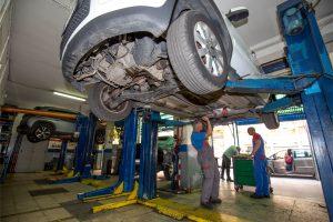 sostituzione olio freni auto via sciuti Palermo